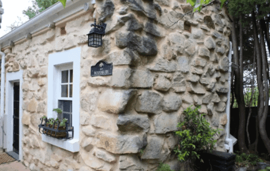 Stone Cottage - Airbnb Crafers - South Australia Road Trips