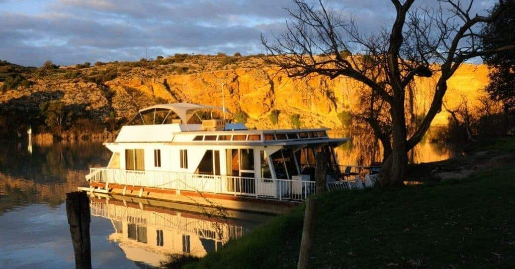 Murray River Houseboat - Things To Do In The Riverland - South Australia Road Trips