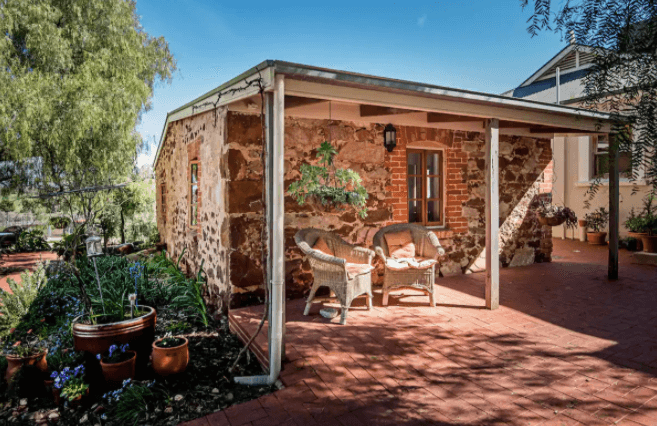 Lucy's House - Airbnb Barossa Valley - South Australia Road Trips