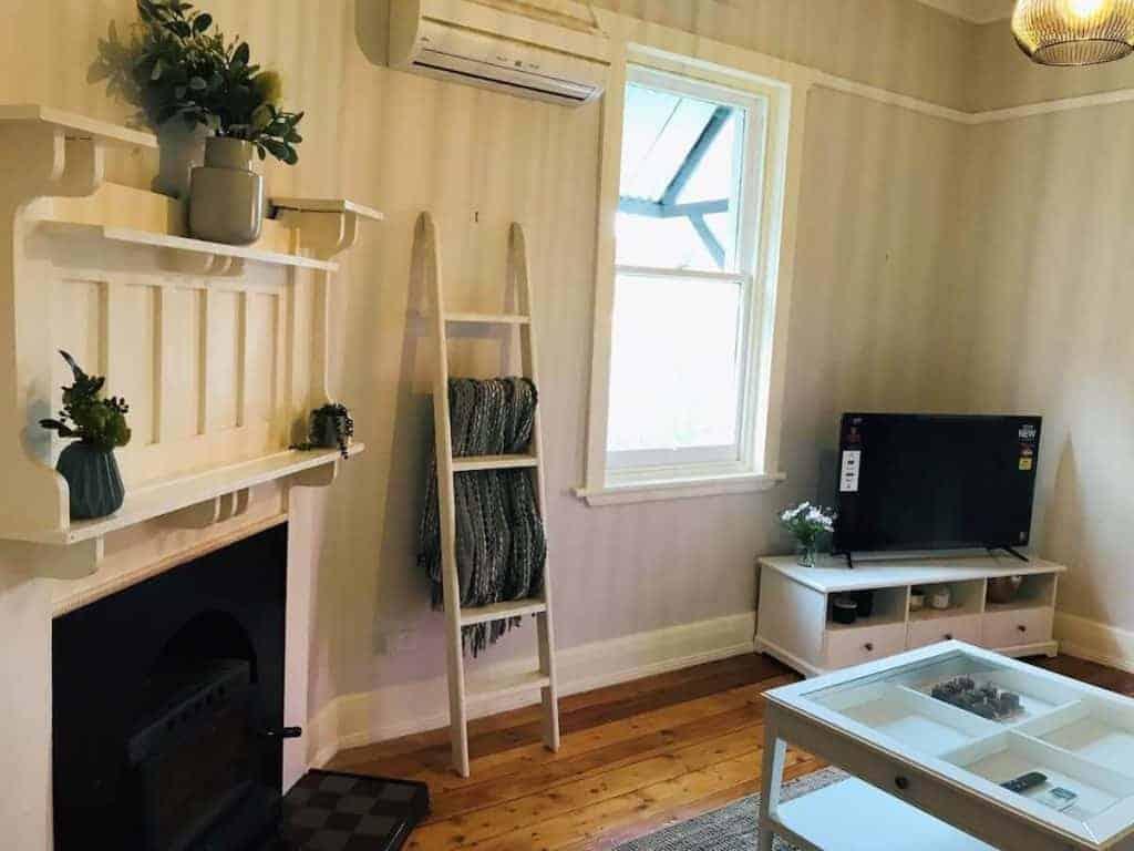 Loveday Cottage - Airbnb Limestone Coast - South Australia Road Trips