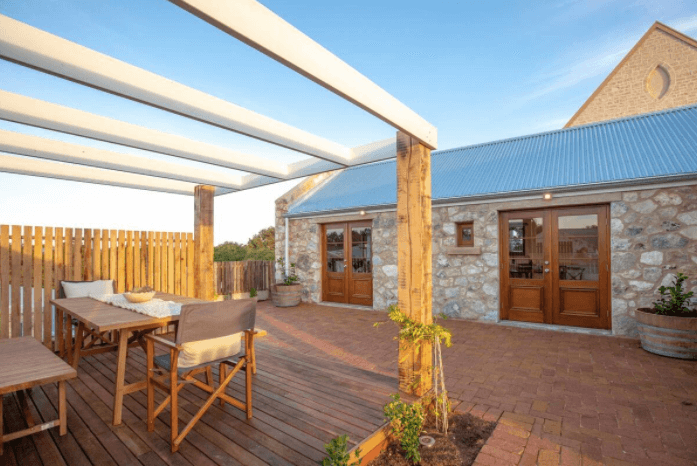 Lucy's Cottage - Airbnb Limestone Coast - South Australia Road Trips