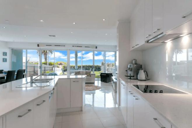 Luxury Beach House - Airbnb Fleurieu Peninsula - South Australia Road Trips
